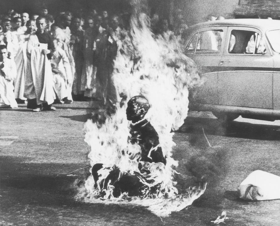 Un moine vietnamien s'immole en pleine rue